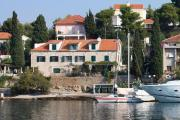 Apartments by the sea Maslinica Solta 5216
