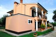 Apartments with a parking space Presika Labin 2370