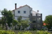 Apartments with a parking space Pinezici Krk 5464