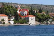 Apartments by the sea Milna Brac 2962