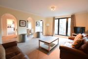 ALTIDO Historic City Centre Apt with Free Secure Parking