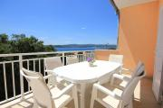 Apartments with a parking space Orebic Peljesac 10150