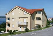 Apartments with a parking space Crikvenica 5532