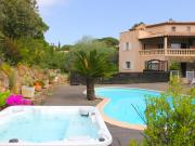 Luxurious Holiday Home in SainteMaxime with Jacuzzi