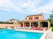 Gorgeous Holiday Home in AlthendesPaluds with Pool