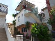 Apartment in Okrug Donji 6072