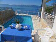 Apartments and rooms with a swimming pool Brist Makarska 15620