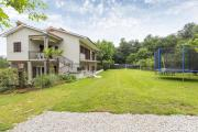 Apartments for families with children Vinez Labin 15870