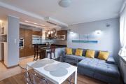 Aquatic Apartment Happy Hours