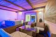 Tino Luxury apartment with jacuzzi