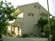 Apartments with a parking space Palit Rab 4957