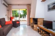 Calella de Palafrugell Apartment Sleeps 6 Air Con