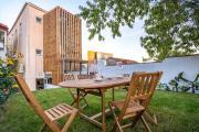 Peach Hostel Suites