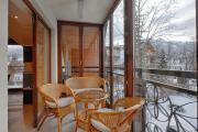 Apartament Bursztyn dwupoziomowy z kominkiem