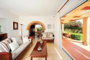 Prinos Villa Sleeps 6 Air Con WiFi