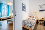Blue Rest-6single beds! 5 minutes to Main Square!