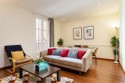 Gorgeous 3 bed wbalcony heart of City Center