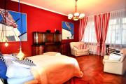 Fine Art Luxury Stay in the Old Town absolute center