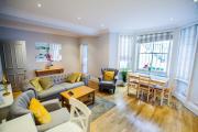 Luxury 2 Bedroom 2 Bath Apartment in Kensington Earls Court