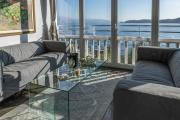 Luxury Apartment right on the water Maddalena