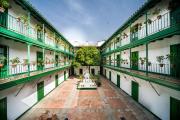 Calle Alcázares