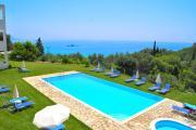 Studios with pool adonis