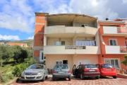 Apartments with a parking space Kastel Gomilica Kastela 17084