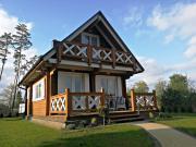 Drewniany domek nad Miedwiem