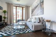 Sunny apartment with Big private terrace BBQ by easyBNB