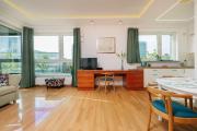 Amber Emerald Premium Apartment