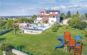 Apartment Rovinjsko Selo 32 with Outdoor Swimmingpool