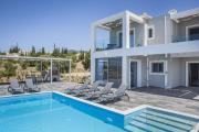 Trapezaki Villa Sleeps 6 Pool Air Con