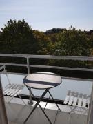 APART AU LUMINEUX Ambiance Cosy vue verdoyante aux portes de Lille 72 m2 2 ch 3 lits balcon parking sécurisé prox métro