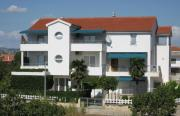 Apartments Beti 70 m from sea