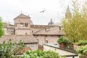 Colosseo loft apartment