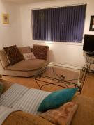3 bedroomed flat sleeps 7 central Scotland