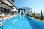 Crikvenica Villa Sleeps 8 with Pool Air Con and WiFi