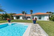 Venda Nova Villa Sleeps 8 with Pool and WiFi