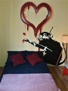 Jugoslowianska Banksy Apartment