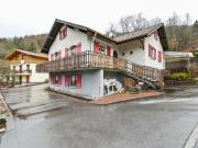 Cosy Apartment in SaulxuressurMoselotte with Forest Nearby
