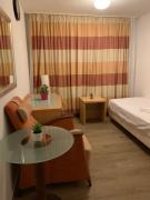 Room next to Cologne LanxessArena and Messe 23