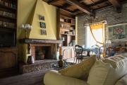 Luxury Spanish Steps two Bedroom Apartment with View