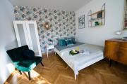Stare Miasto Miodowa Suite 500m od PlZamkowego