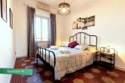 SandG Apartments GAZOMETRO 6 sleeps Bright Home