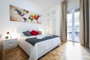 Elegant 2 bedroom apt wbalcony next to Subway