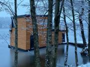 Dom na wodzie nad Jeziorem Krzywe