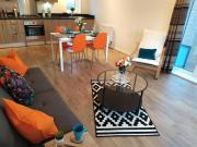 Campbell Heights Penthouse Apartment FREE Parking