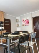 SUNNY GLOW LOQUS Apartments