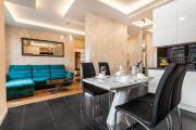 Frey Homes Rajska ROYAL Suite