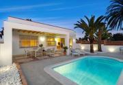 Las Chapas Villa Sleeps 7 with Pool Air Con and WiFi